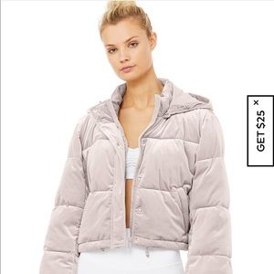 Alo puffer jacket NWT small